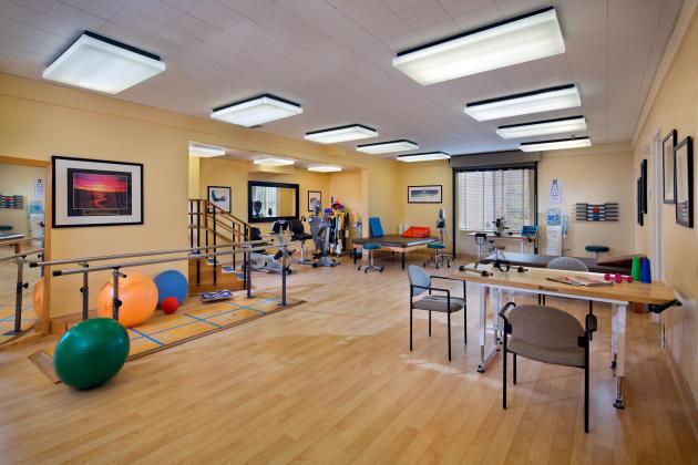 1518-08-Rehab-Glenbrook-Health-Center-Olson_EricFiggePhotos